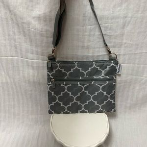 RuMe Purse - like new - grey - easy to wash